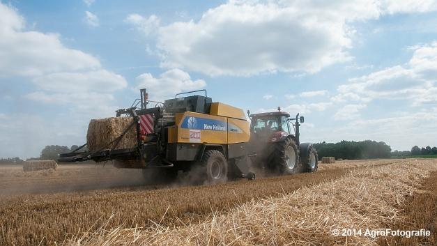 New Holland T7060 + New Holland BB940 (Vanbuel, stro) (4 van 16)