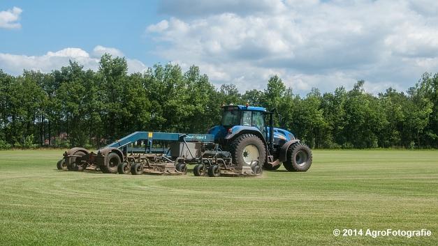 New Holland TVT 135 + GreenClipper 5 (Franken agro) (1 van 15)