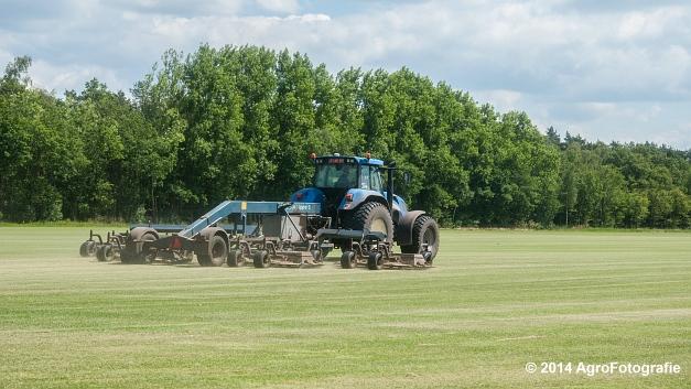 New Holland TVT 135 + GreenClipper 5 (Franken agro) (2 van 15)