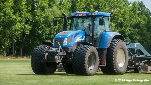 New Holland TVT 135 + GreenClipper 5 (Franken agro) (3 van 15)