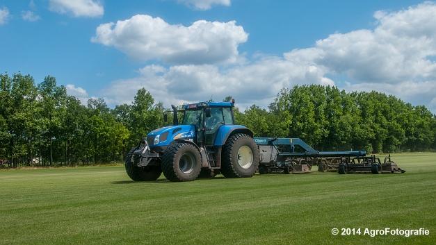 New Holland TVT 135 + GreenClipper 5 (Franken agro) (4 van 15)