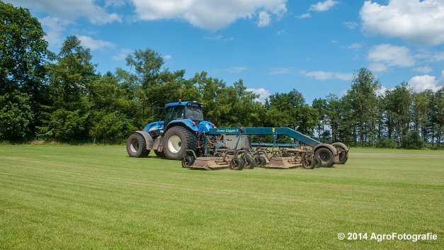 New Holland TVT 135 + GreenClipper 5 (Franken agro) (6 van 15)