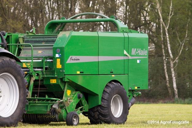 Deutz-Fahr M640 + McHale Fusion 2 (25)