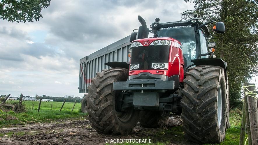 John Deere 2256 (Van Helmond) (1 van 11)