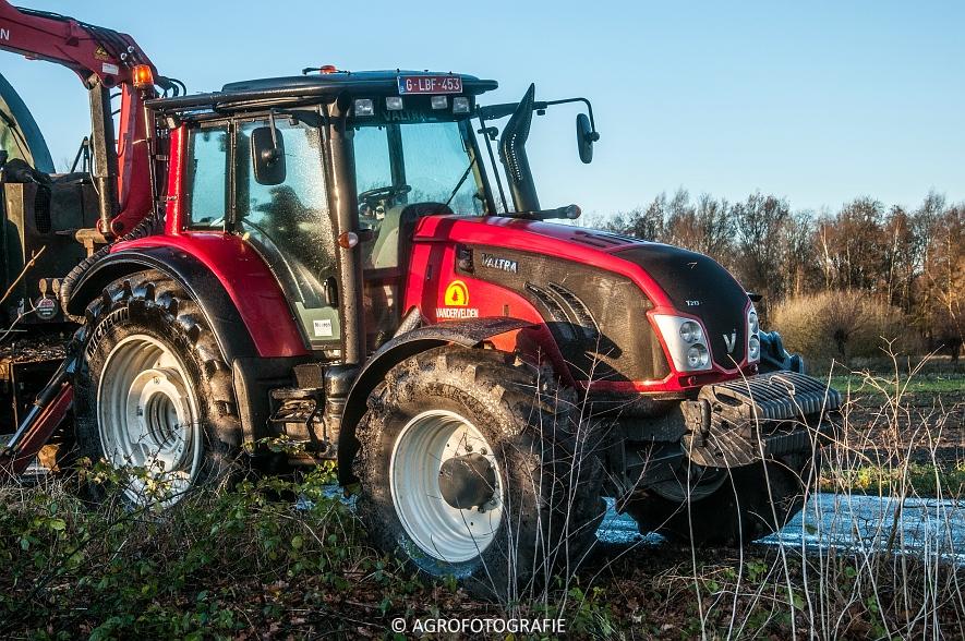 Valtra S353 & T213 + Jenz (14 van 15)