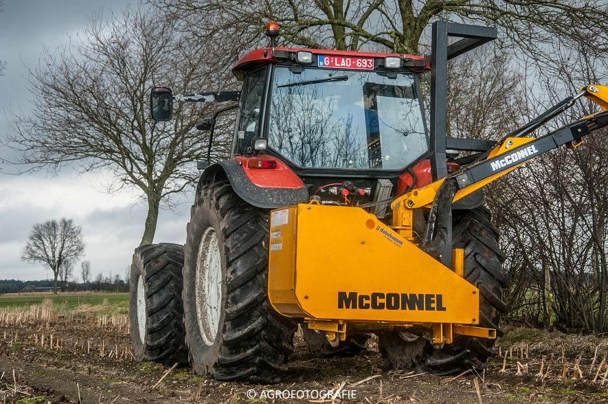 New Holland TM 155 + McConnel PA55ECO (10)