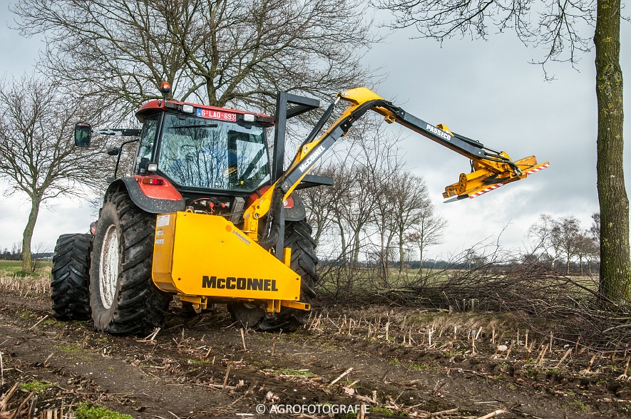 New Holland TM 155 + McConnel PA55ECO (14)