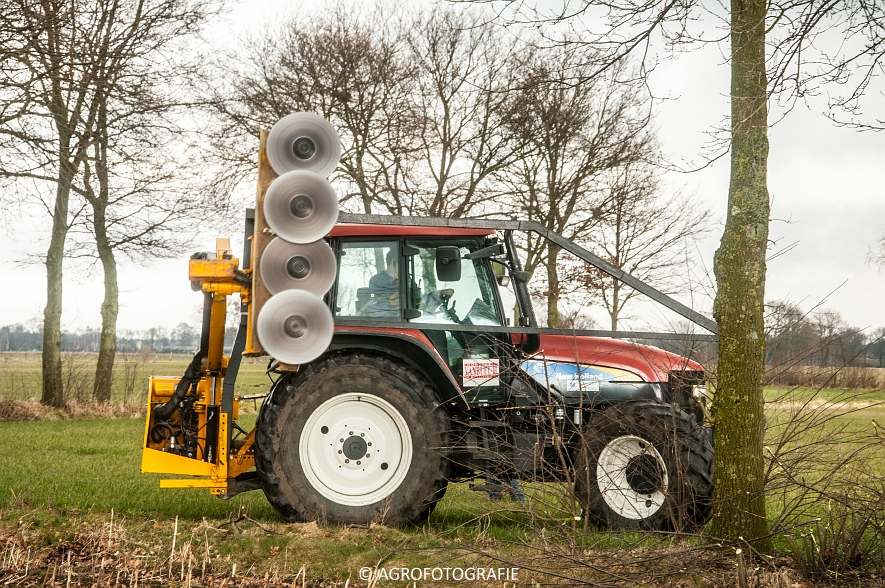 New Holland TM 155 + McConnel PA55ECO (23)