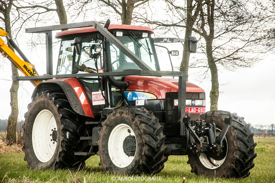 New Holland TM 155 + McConnel PA55ECO (26)