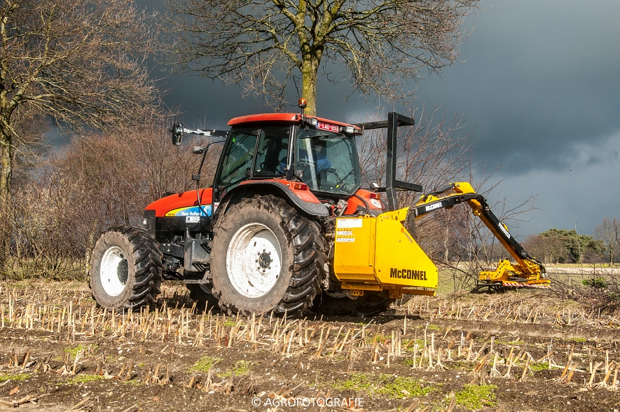 New Holland TM 155 + McConnel PA55ECO (3)