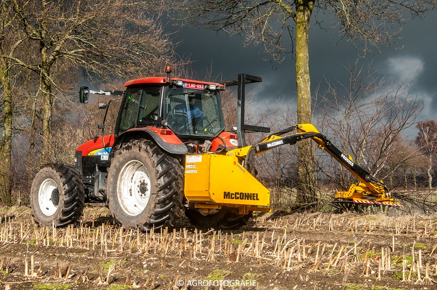 New Holland TM 155 + McConnel PA55ECO (6)