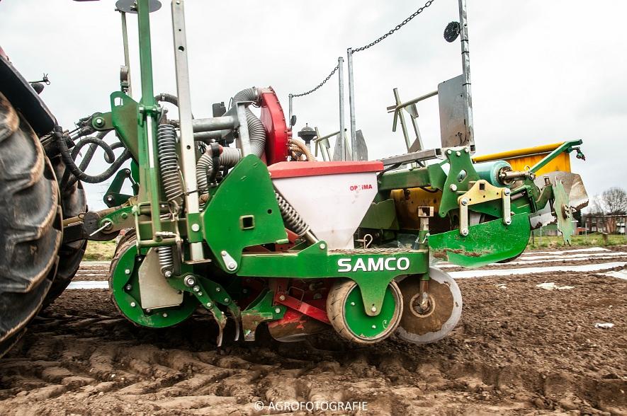 Massey Ferguson 7480 + SAMCO (Maïs onder folie, 21-03-2015, VDD Agri) (8)