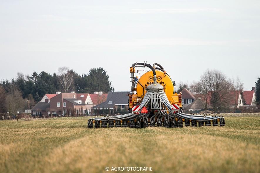 Steyr 4110 + Veenhuis (1)