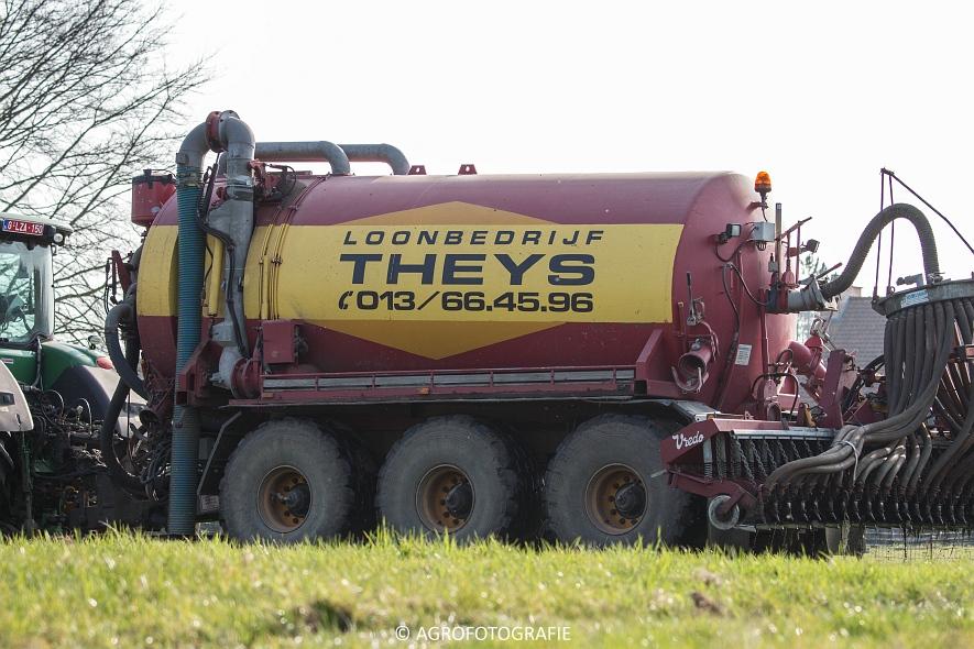 John Deere 7230R (3)