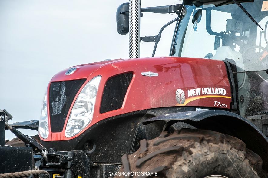 New Holland T7.270 + Joskin EUROLINER 24000 (bouwland, 28-03-2015) (35 van 77)