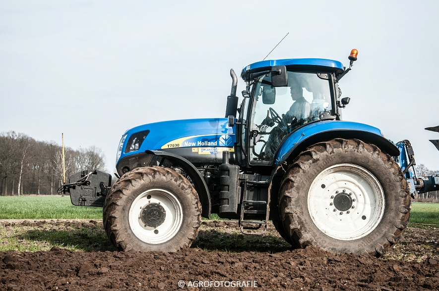 New Holland T7030 + Lemken (07-04-2015) (31 van 68)