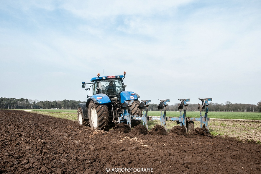 New Holland T7030 + Lemken (07-04-2015) (7 van 68)