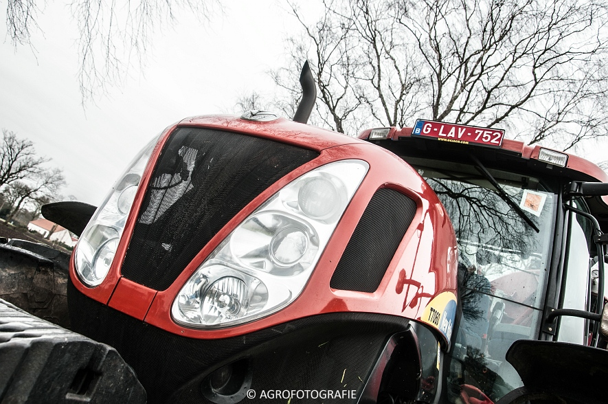 New Holland T7060 + Joskin CARGO 22500 (grasland, 28-03-2015) (64)