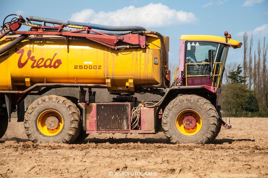 Vredo VT 3326 + 25000Z oplegger (Bouwland, 15-04-2015, Linsen) (10 van 42)