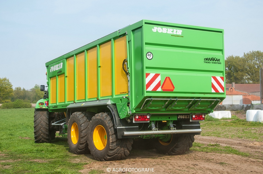 Claas Jaguar 960 (gras, Winters, 02-05-2015) (2)