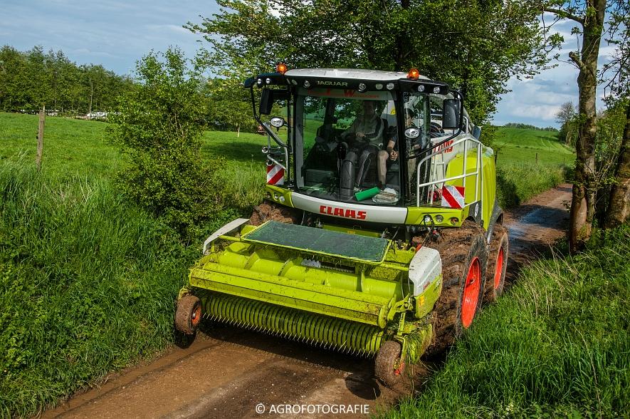 Claas Jaguar 970 + Fendt & Joskin (Rogge hakselen, 09-05-2015, Wintmolders) (101)