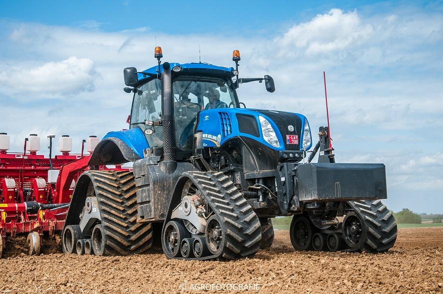 New Holland T8.390 + Grimme GF800 en GL860 & New Holland T8050 + Amazone Centaur 6001 (Koolen, 09-05-2015) (15)