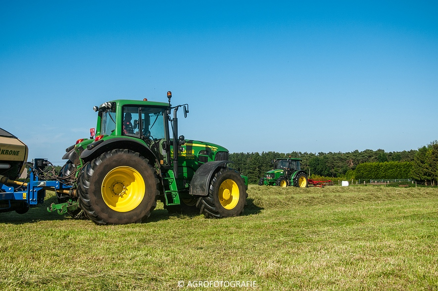 John Deere 7530 + Krone Comprima V150 XC & John Deere 5080M (Harken, perswikkel, 04-06-2015) (23)