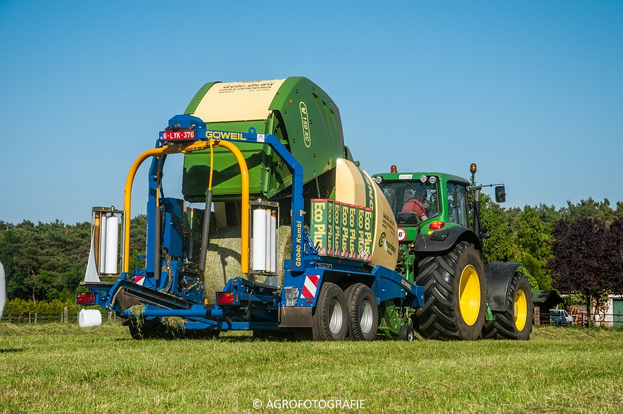 John Deere 7530 + Krone Comprima V150 XC & John Deere 5080M (Harken, perswikkel, 04-06-2015) (27)