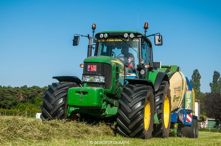 John Deere 7530 + Krone Comprima V150 XC & John Deere 5080M (Harken, perswikkel, 04-06-2015) (30)