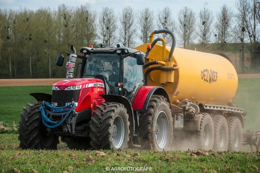 Massey Ferguson 8660 Dyna-VT + Dezwaef (Bouwland, Wauters Energy, 17-04-2015) (13)