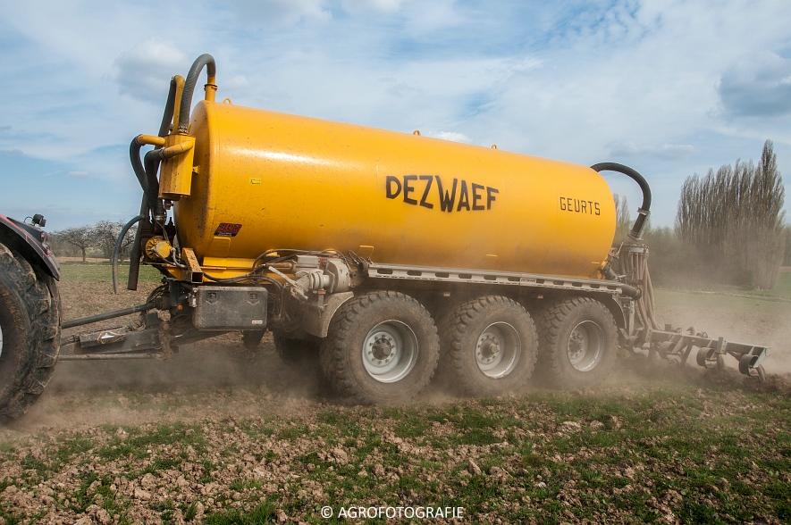 Massey Ferguson 8660 Dyna-VT + Dezwaef (Bouwland, Wauters Energy, 17-04-2015) (59)