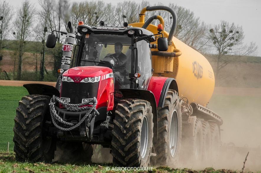 Massey Ferguson 8660 Dyna-VT + Dezwaef (Bouwland, Wauters Energy, 17-04-2015) (74)
