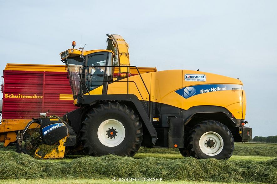 New Holland FR9060 (Gras, Sonnemans, 11-05-2015) (12)