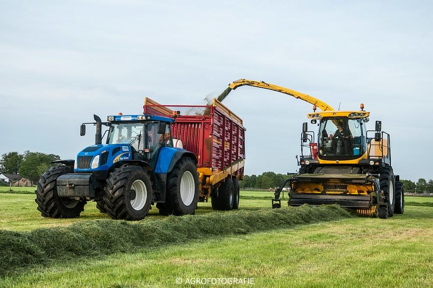 New Holland FR9060 (Gras, Sonnemans, 11-05-2015) (5)