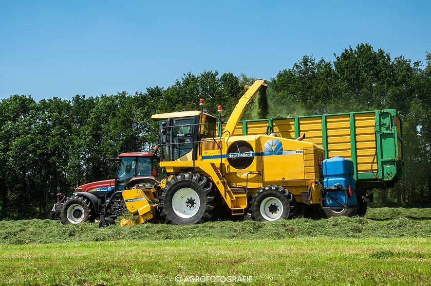 New Holland FX 50 + New Holland TM 155 (Gras, Vermeulen, 11-06-2015) (19)