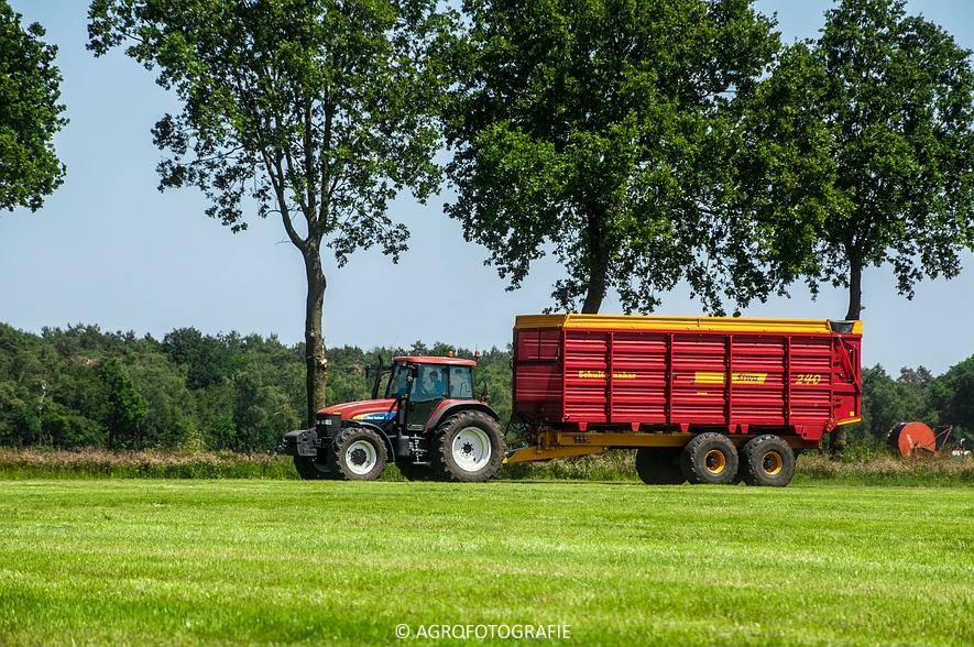 New Holland FX 50 + New Holland TM 155 (Gras, Vermeulen, 11-06-2015) (27)