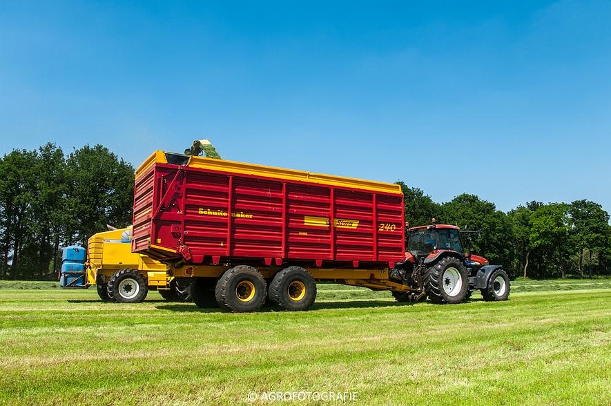 New Holland FX 50 + New Holland TM 155 (Gras, Vermeulen, 11-06-2015) (41)