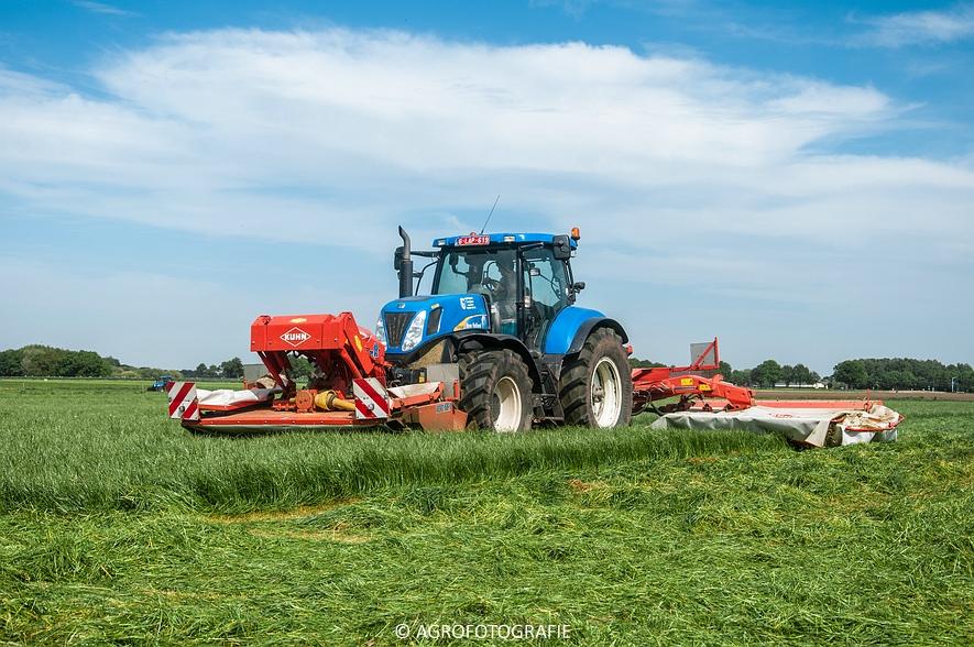 New Holland T7040 + Kuhn FC 883 (14-05-2015) (21)