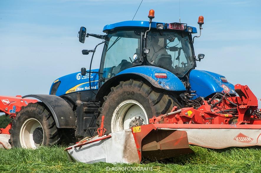 New Holland T7040 + Kuhn FC 883 (14-05-2015) (8)