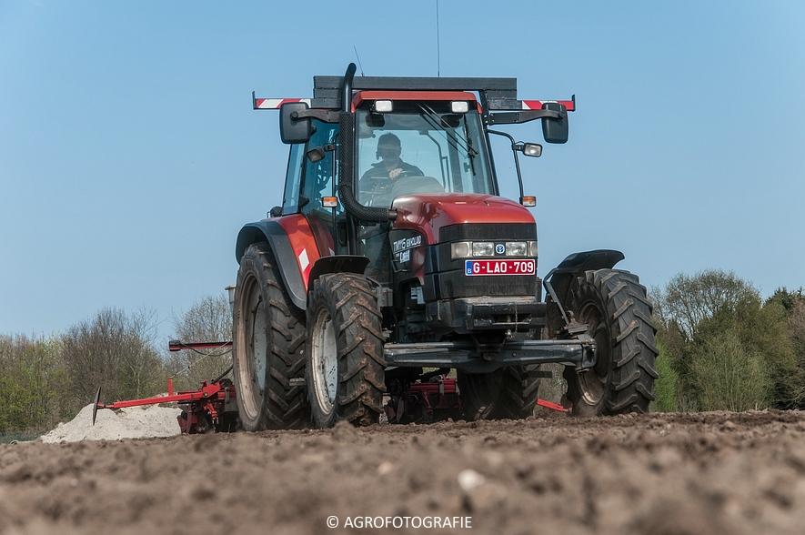 New Holland TM 115 + Kverneland Monopill (Bietenzaaien, 16-04-2015) (49)
