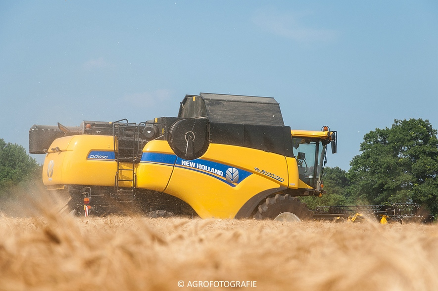 New Holland CX 7090 & Laverda M303 (Graan, 03-07-2015) (13)