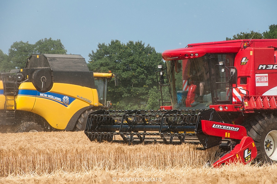 New Holland CX 7090 & Laverda M303 (Graan, 03-07-2015) (19)