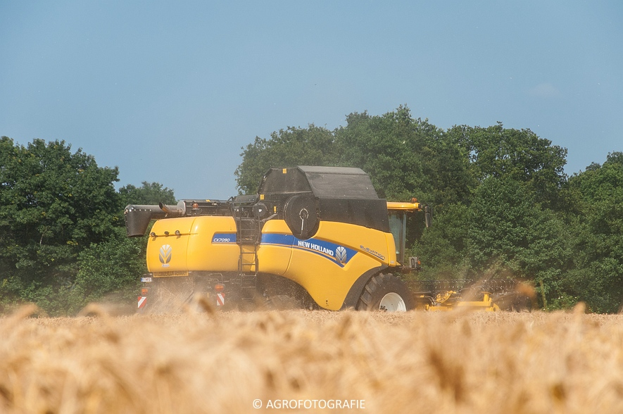 New Holland CX 7090 & Laverda M303 (Graan, 03-07-2015) (23)