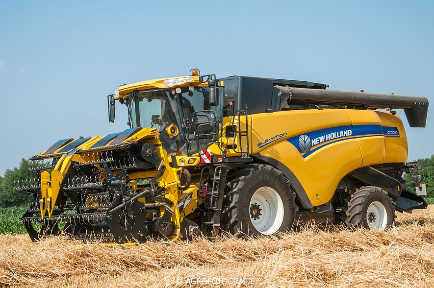 New Holland CX 7090 & Laverda M303 (Graan, 03-07-2015) (88)