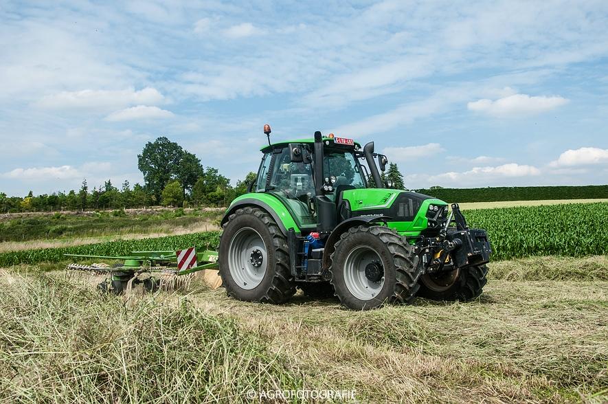 Deutz-Fahr Agrotron 6190 TTV + Krone KS 6-6.60 20 DUO (Harken, Everaert, 25-06-2015) (24 van 54)