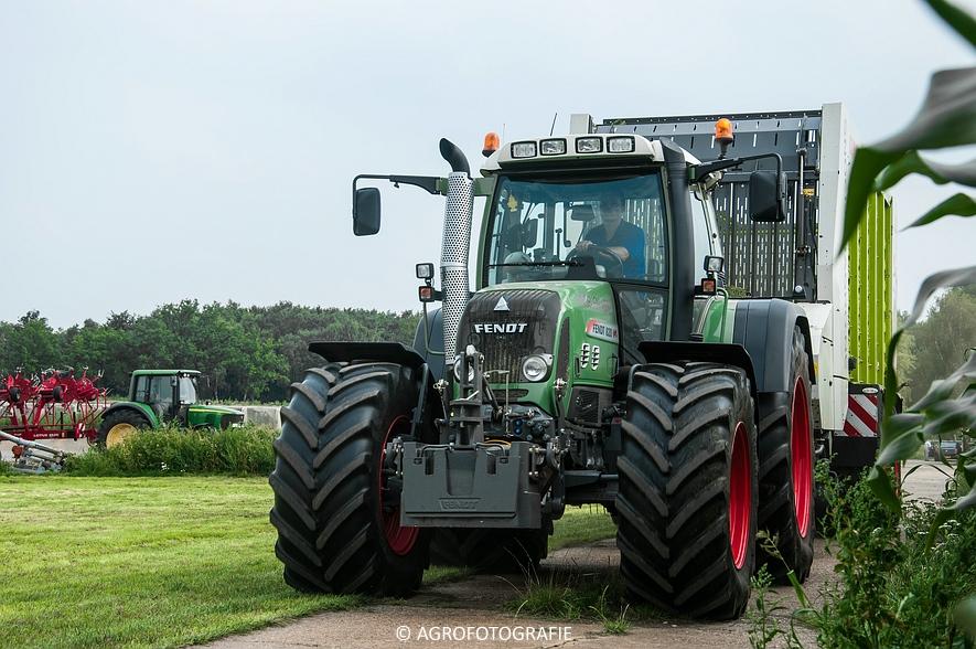 Fendt 820 + Claas Cargos 9500 (Snoeijen Agro, 12-08-2015) (42 van 50)