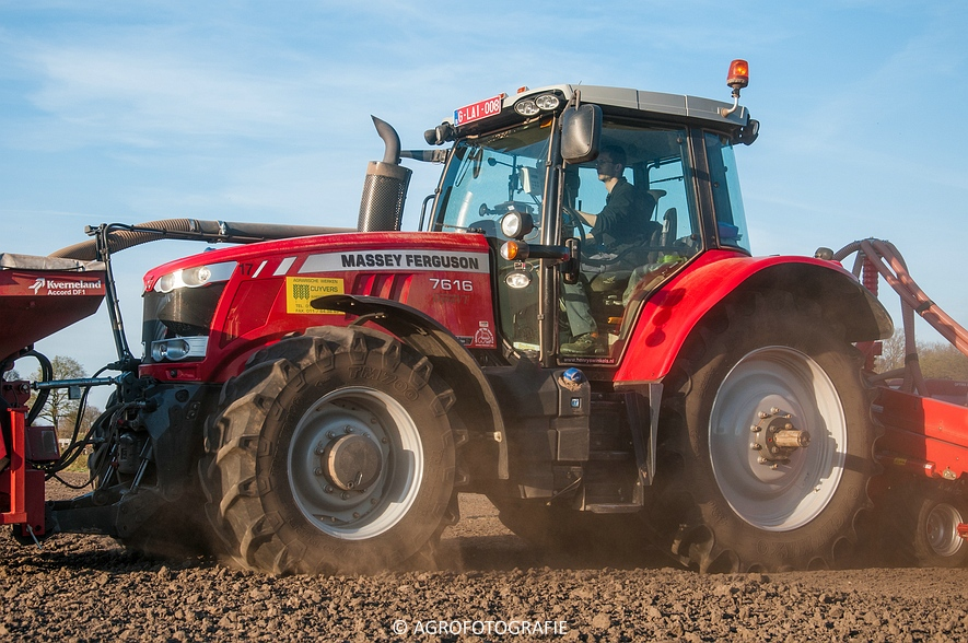 Massey Ferguson 7616 Dyna-VT + Kverneland Accord Optima HD E-drive (20-04-2015) (18 van 71)