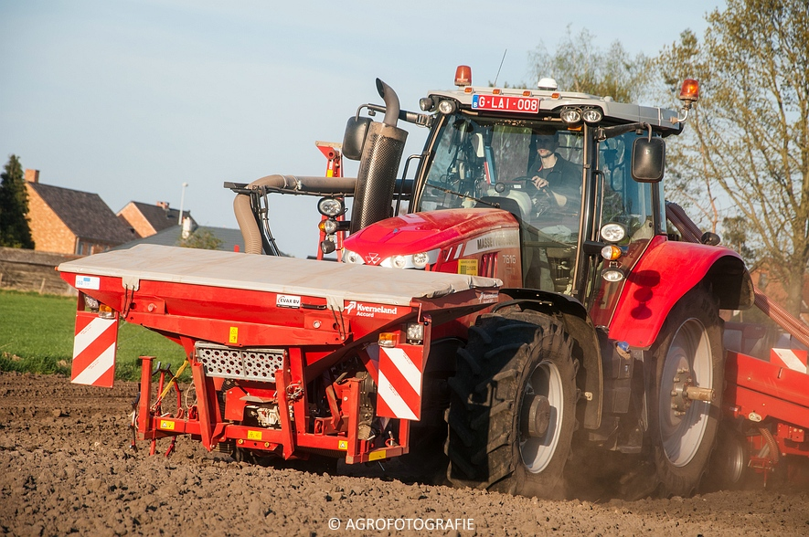 Massey Ferguson 7616 Dyna-VT + Kverneland Accord Optima HD E-drive (20-04-2015) (23 van 71)