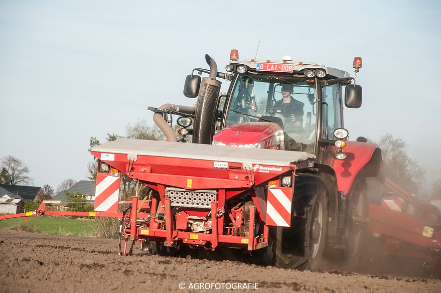 Massey Ferguson 7616 Dyna-VT + Kverneland Accord Optima HD E-drive (20-04-2015) (59 van 71)