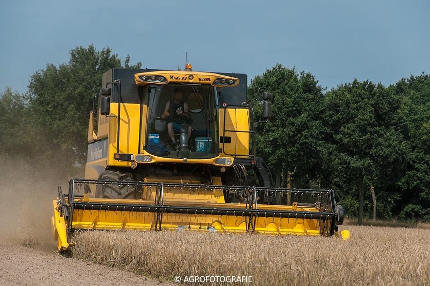 New Holland CSX 7050 (Graan, 12-08-2015, Maas BV) (19 van 31)